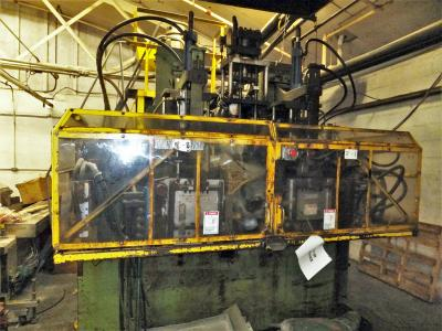1980 Bekum H-151 Dual Shuttle Blow Molding Machine