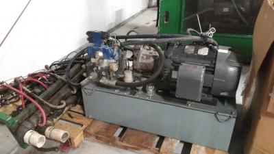 Uniloy 350R2, 8 head external hydraulics